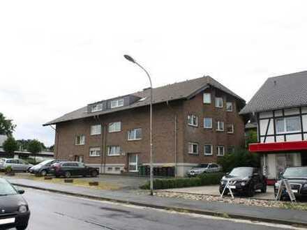Gemütliche 2-Zi-DG-Wohnung mit PKW-Stellplatz und Dachbalkon in zentraler Wohnlage von Aegidienberg.