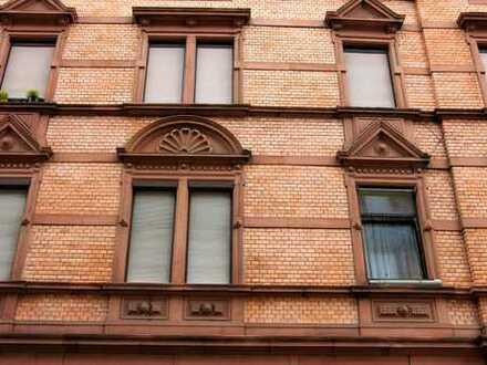 Mehrfamilienhaus mit viel Potenzial in LU-Mitte