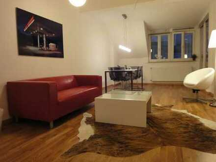 Dachgeschosswohnung in zentraler City-Lage / Penthouse with lift in central area