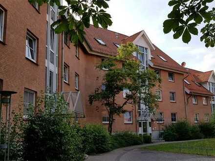 Großzügige 4- Raum Wohnung mit Balkon zu vermieten!