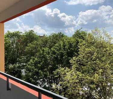 Helle, ruhige und großzügig geschnittene Wohnung über den Dächern Waldkraiburgs