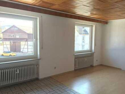 Helle 3-Zimmer mit Balkon in Lichtenfels