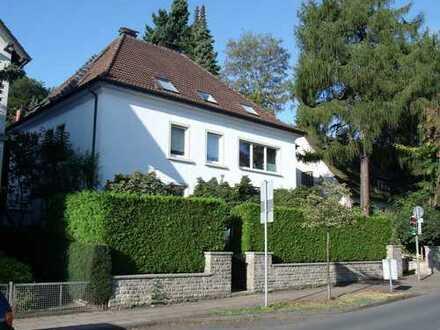 Schöne 2-Zimmer-DG-Wohnung mit EBK in BI-Westen | hell | Uninähe | Stadtnähe