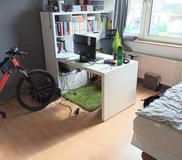 Zentrale 3 Zimmerwohnung in Innenstadt nähe zu vermieten! Ebenfalls geeignet als WG!