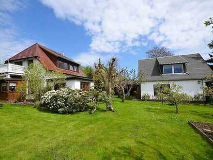 Attraktives Familien- und Ferienhaus mit großem Garten !