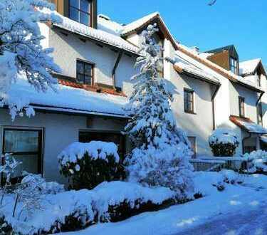 Provisionsfrei: Exklusive, gepflegte 4,5-Zimmer-Maisonette-Wohnung mit Balkon und EBK in Germering