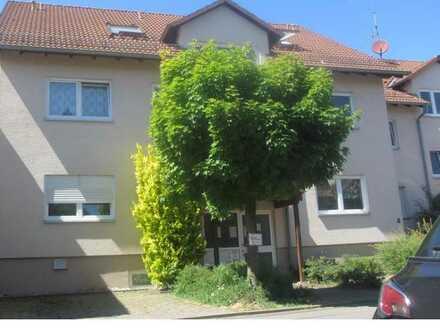 Schöne 2-Zimmer-Dachgeschosswohnung in ruhiger Ortsrandlage von Esslingen-Berkheim!!