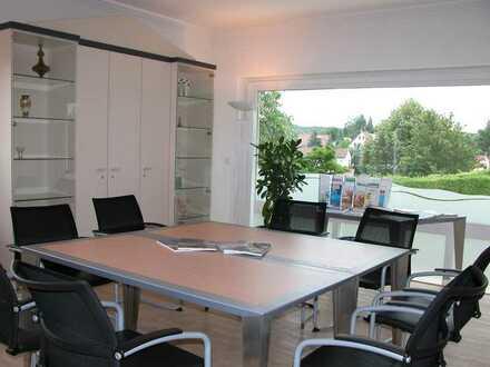 Exklusive Büro- oder Praxisräume mit traumhafter Aussicht, 1-A Lage, (Garagen)Stellplätze vorhanden