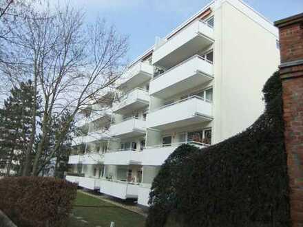 Nerotal – Heinrichsberg: Sehr ruhige 3-ZKB (DG ohne Schrägen) mit herrlichem Blick über Wiesbaden