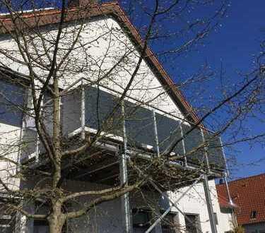 Arbeiten und Wohnen in einem, in einer sehr schönen großen neuen Wohnung in Harthausen.