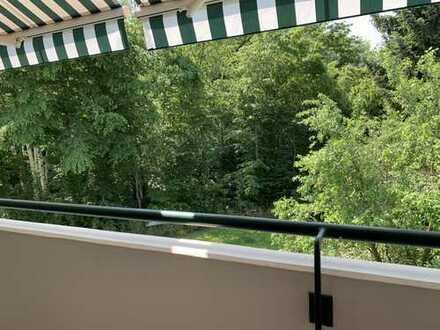 Schicke, ruhige 3 Zimmerwohnung mit Blick ins Grüne