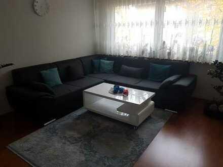 Helle, vollständig renovierte 2-Zimmer-Wohnung mit Balkon und Einbauküche in Ostfildern