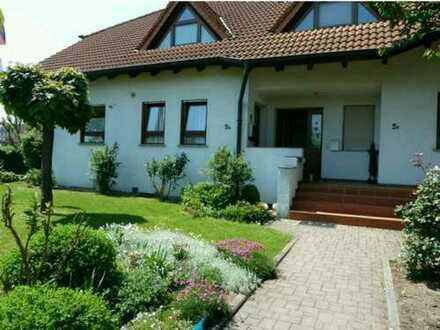 DHH in bester Lage in Stegaurach, Nähe Bamberg