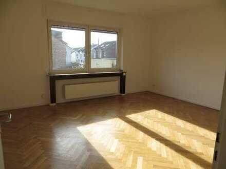 Gemütliche 3 Zim. Wohnung im Erdgeschoss ab November zu vermieten
