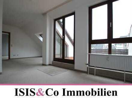 Lichtdurchflutete Wohnung mit großer Terrasse • Besichtigung am Fr. 16.08. um 17.00 Uhr
