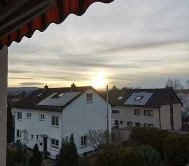Stilvolle, sanierte 1,5-Zimmer-Wohnung mit Balkon und EBK in Reutlingen