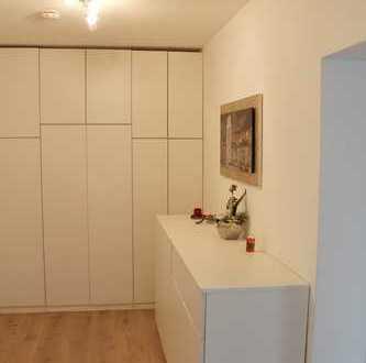 Für Immobilieneinsteiger! Einfach nur einziehen- schicke Wohnung, Balkon, TG-Stellplatz, gute Lage!!
