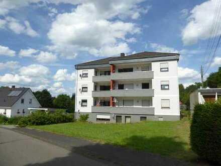 3 - Zimmer-Wohnung mit Balkon, Stellplatz und Kellerraum im 1. Obergeschoss