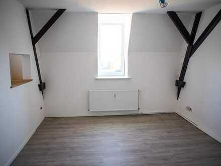 Schöne, geräumige drei Zimmer Fachwerk-Wohnung in Maybachvilla, Wohmbrechts