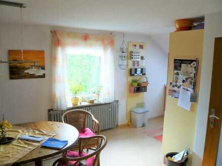 Schicke 2-Zimmer-Dachgeschosswohnung zur Miete in Stadtbergen