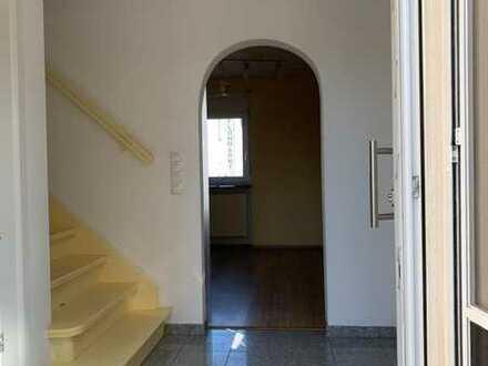 Mieten und Kaufen! Günstiges, geräumiges und gepflegtes 3-Zimmer-Haus in Dannstadt-Schauernheim