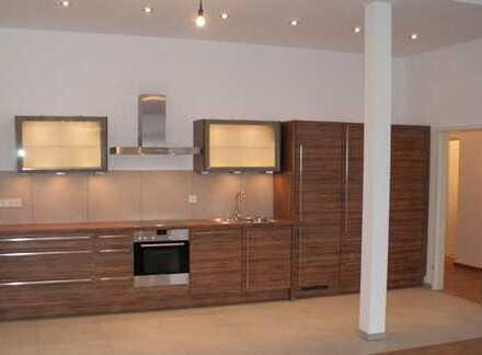 Luxus und Design - Exklusive 3-Raum-Wohnung mit EBK, Balkon in zentrumsnaher und ruhiger Lage