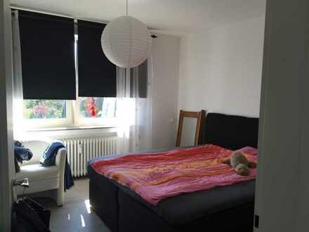 Renovierte und verkehrsgünstige Wohnung, schöne Küche und Stellplatz möglich