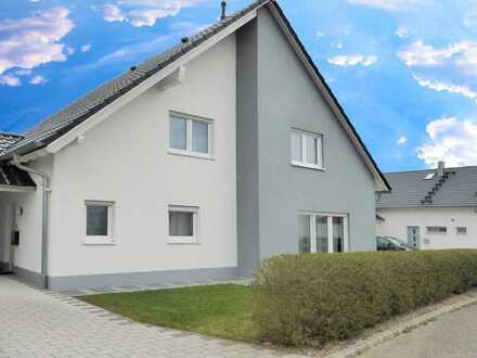 Luxuriöses Eigenheim mit Garten, Gartenhäuschen + Garage in gehobener Ausstattung in Blaufelden