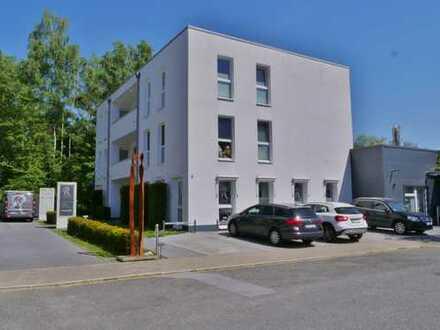 Attraktive 3-Zimmerwohnung in modernem Wohn- und Geschäftshaus in Unterhaan