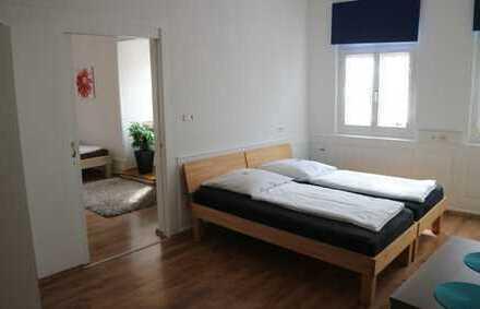 Schöne komplett möbilierte 2 Zimmer Wohnung mit 4 Betten, TV, HMS in 75365 Calw, WM pauschal 1.400€
