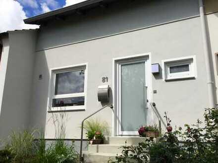 Komplett renoviertes Einfamilienhaus ruhig gelegen mit grünen Garten