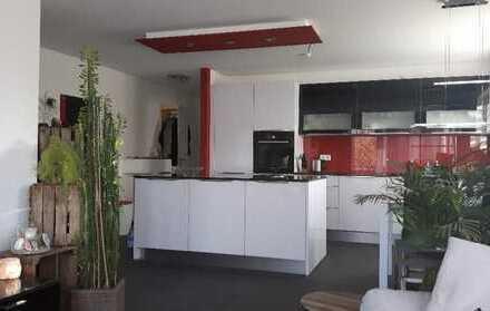 Exklusive, neuwertige 2,5-Zimmer-Wohnung mit Balkon und EBK in Remseck am Neckar