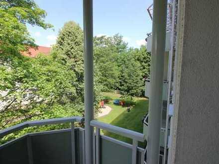 1-Raum-Wohnung mit Dusche und Balkon