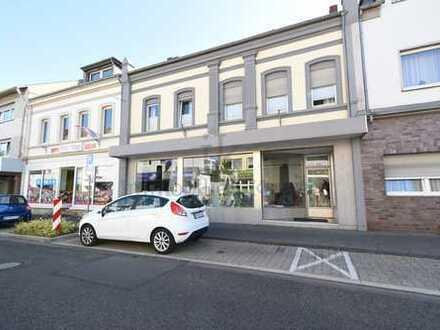 Helles Ladenlokal im Bedburger Zentrum - ein Muss für jeden Unternehmer. + Einliegerwohnung