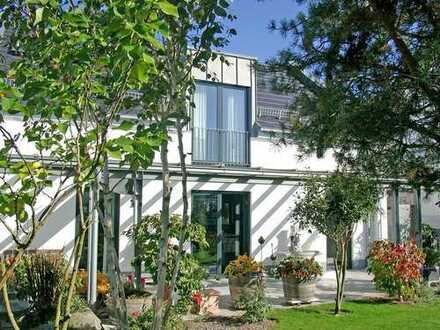 POCHERT IMMOBILIEN - Modernes Einfamilienhaus mit schönem Garten in Kaiserslautern-Morlautern