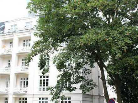 Selten: Herrschaftlicher Altbau 5 ½-Zimmer - Balkon, Kamin - mit Blick auf den Alster-Goldbekkanal