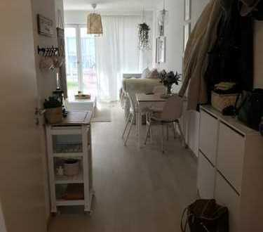 Exklusive, neuwertige 2 Zimmer-EG-Wohnung mit großem Garten in Feldmoching, München
