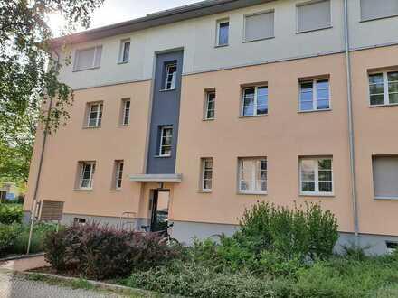 Moderne helle möblierte 2 Zi-Whg. in Steglitz