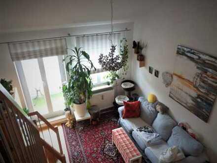 Schöne 2-Zimmer ETW, Galerie, EBK, Balkon, Garage