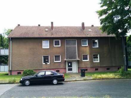 !Top sanierte 2,5 Zimmer-Wohnung mit Balkon!