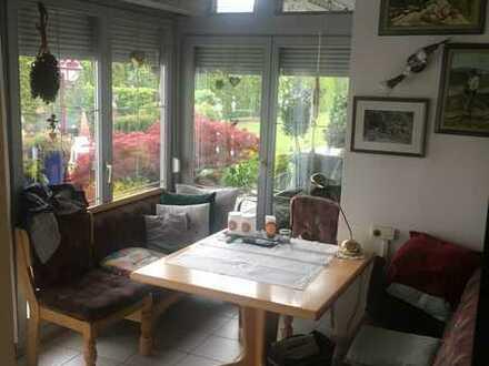viel Platz für die Familie zentral und ruhig, mit Gartenteil, Wintergarten, Hobbyraum