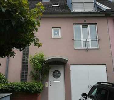 Schönes geräumiges Haus mit 6,5 Zimmern in Karlsruhe, Nordweststadt zu vermieten
