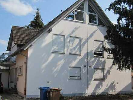 Hauptstuhl - Moderne Doppelhaushälfte mit Garage