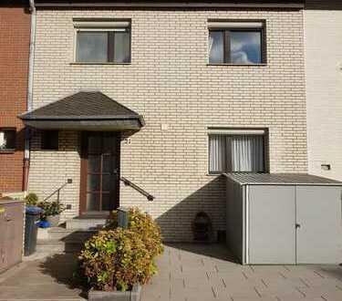 890 €, 100 m², 2 Zimmer