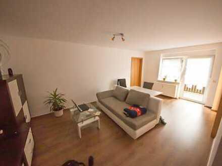 2-Zimmer-Wohnung mit Balkon, Einbauküche, PKW-Stellplatz