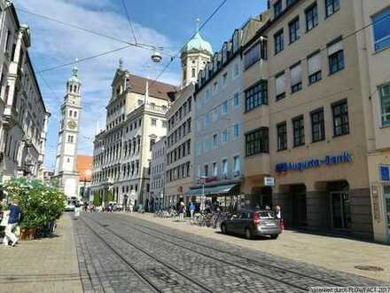 Ruhige Büroräume über den Dächern der Maximilianstraße in Augsburg