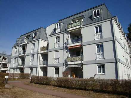 AUF WASSERGRUNDSTÜCK mit BADESTRAND, 2-Zimmerwohnung im Dachgeschoss