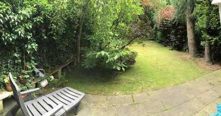 WG im Einfamilienhaus ca. 130m² (Zwei Zimmer ca. 17m² und 15m²) inkl. Garten! (Frauen WG)