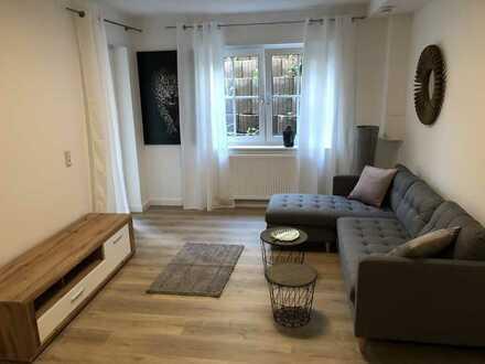 Exklusive, vollständig renovierte und vollmöblierte 2-Zimmer-Wohnung mit Terrass u. EBK in Viernheim