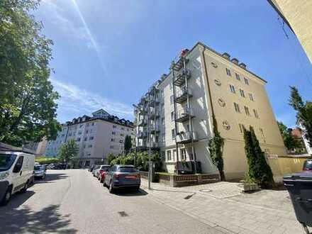 Renovierte 2 Zimmer-Wohnung in Neuhausen ! WG geeignet